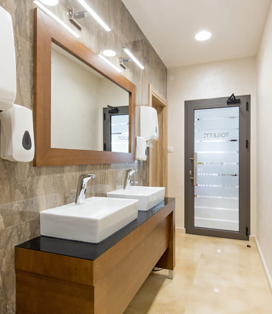 South London Commercial Washrooms